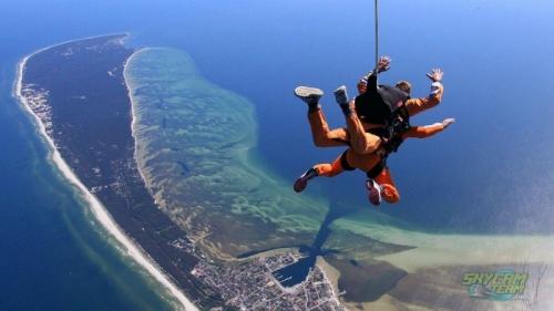 Skoki spadochronowe w tandemie nad morzem - Półwysep Helski