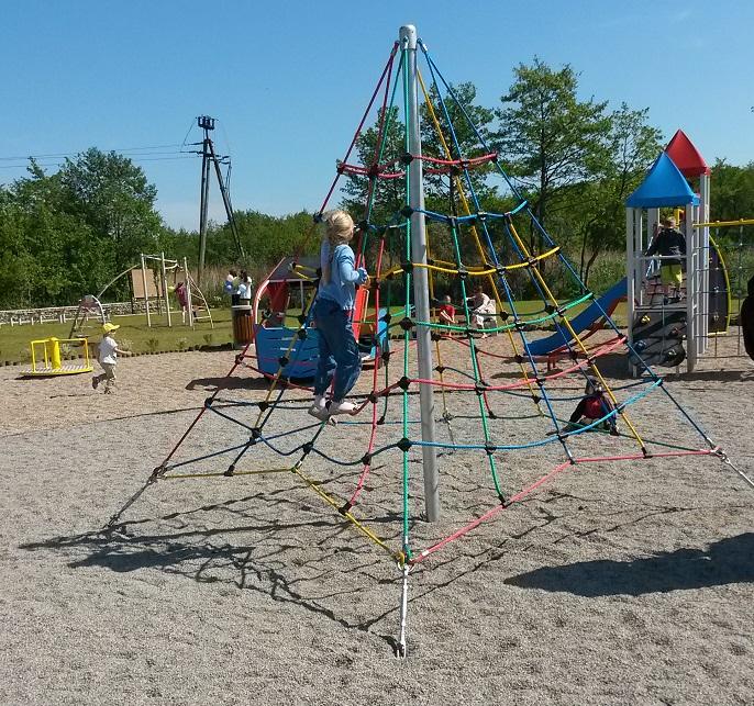 Atrakcje na placu zabaw dla dzieci Władysławowo