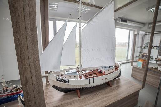 gwiazda-morza-wladyslawowo-z-klockow-lego-wystawa