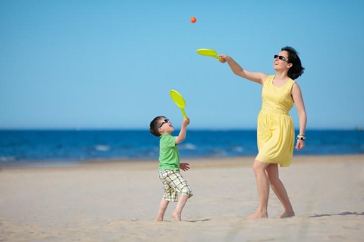 Pomysły na zabawę z dziećmi na plaży
