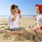 Plaża: pomysły na zabawy z dzieckiem