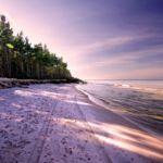 Gdzie najbliżej nad morze z Torunia i Bydgoszczy – jak dojechać?
