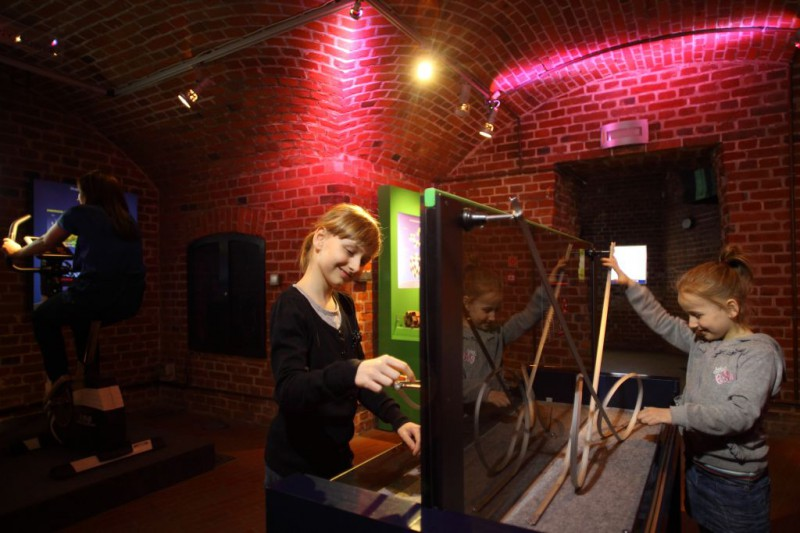 Centrum nauki Hewelianum forty Gdańsk opinie